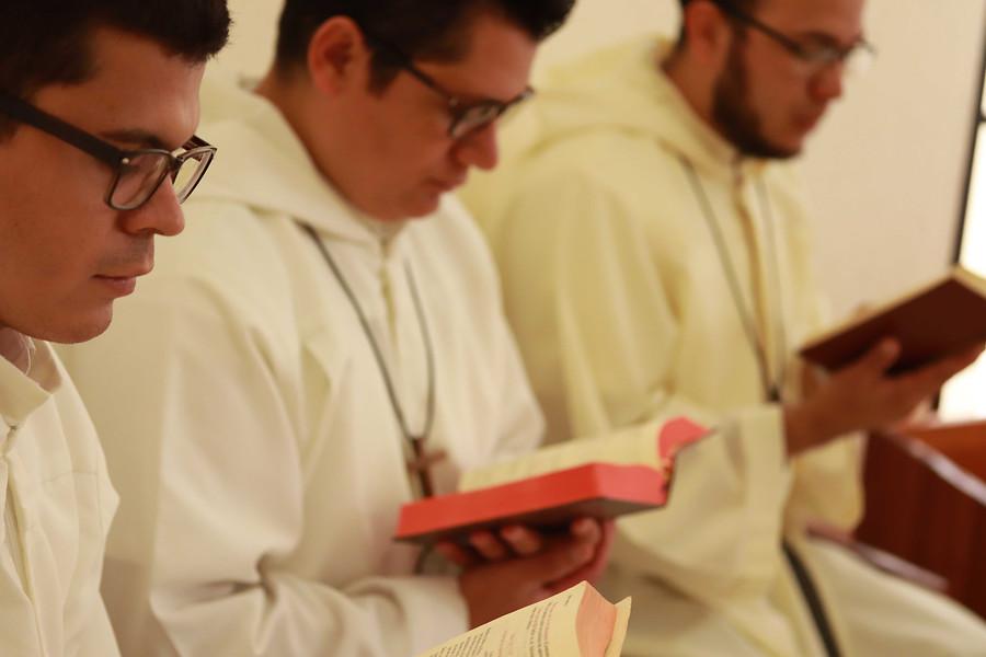 Nicaragua: Estipendios de Misa para cinco religiosos contemplativos