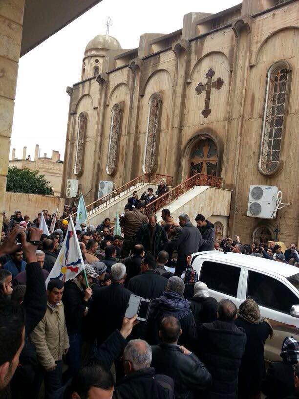Familias cristianas han huido del noreste de Siria ante el avance del ejército turco