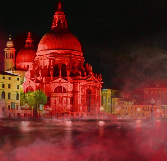 Nueva York, Nueva York, Londres, Berlín, Sydney…ACN ilumina de rojo grandes monumentos, en defensa de los cristianos perseguidos