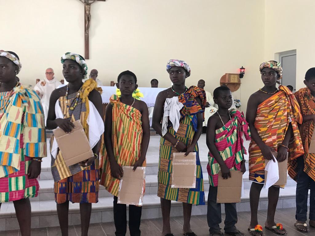 Ghana: Ayuda a la construcción de una iglesia en Nkontrodo