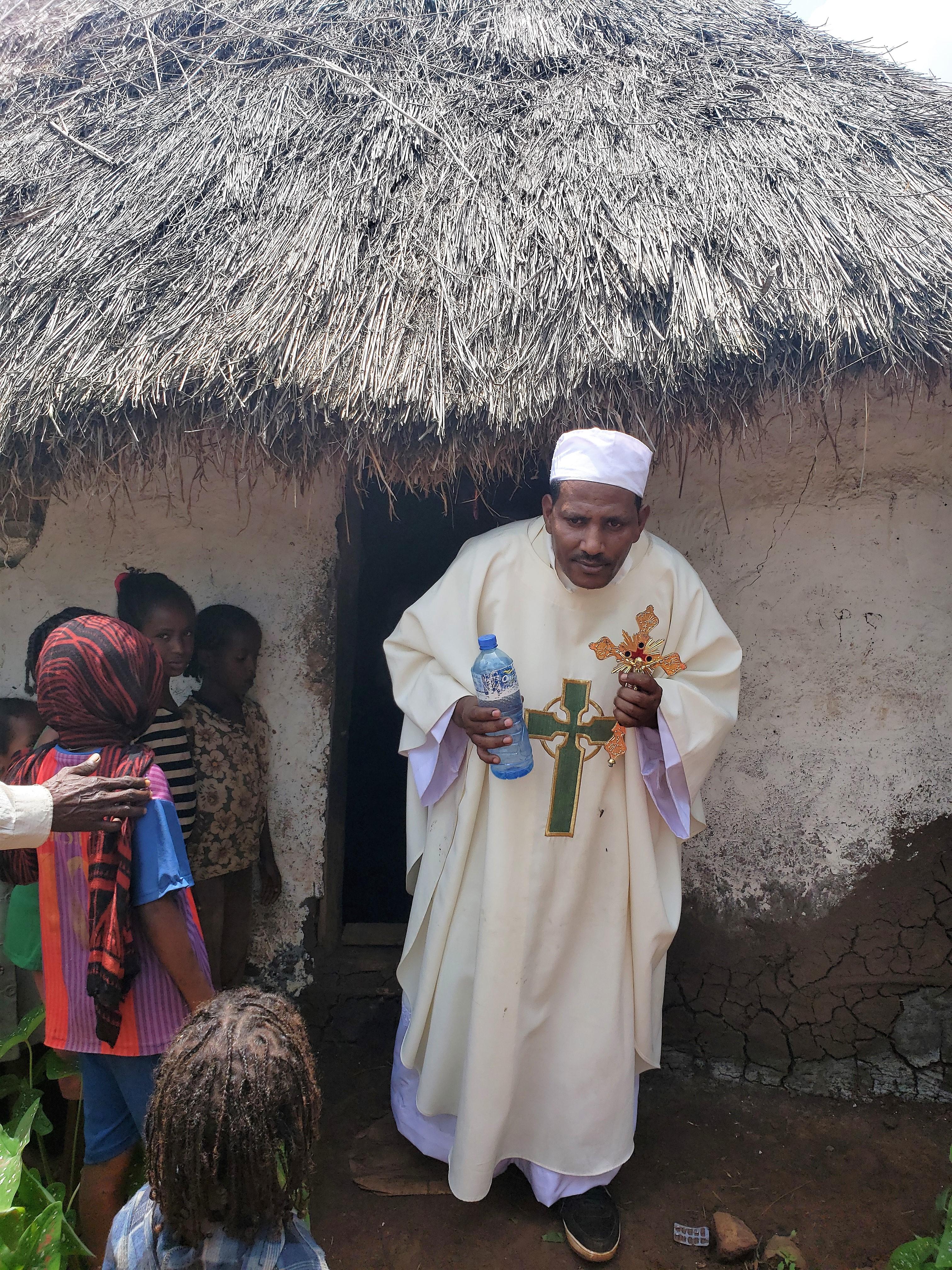 Etiopía: Construcción de una capilla en un pueblo