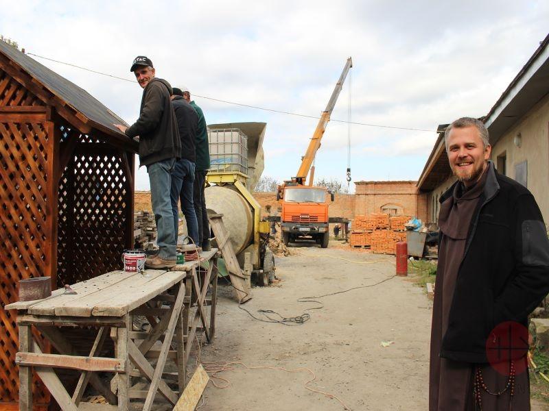 Ucrania: Reparación de instalaciones del Carmelo
