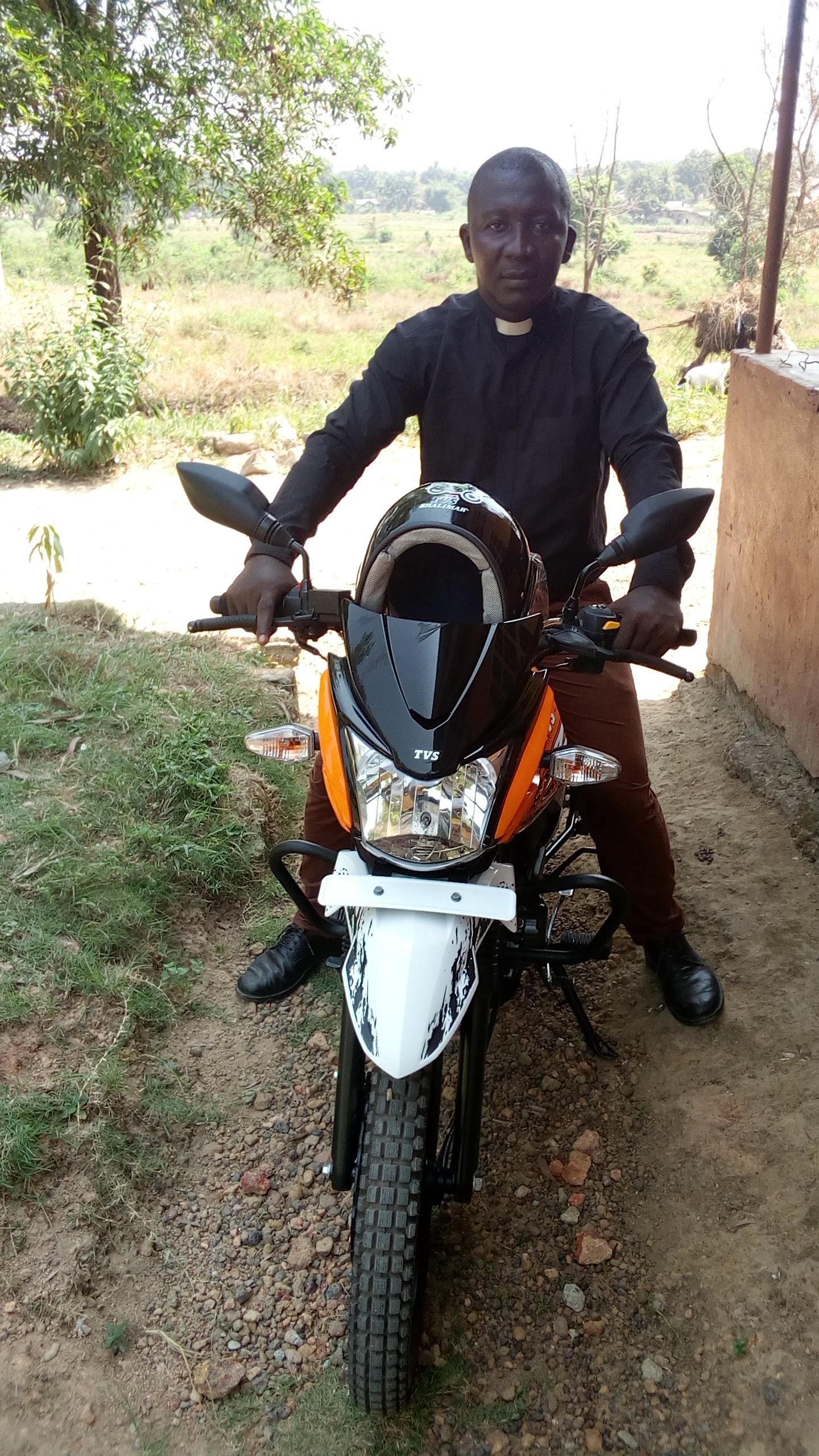 Sierra Leona: El Evangelio viaja en moto