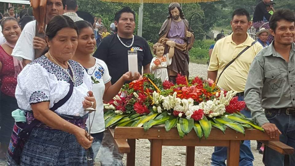 Guatemala: Un vehículo para una parroquia