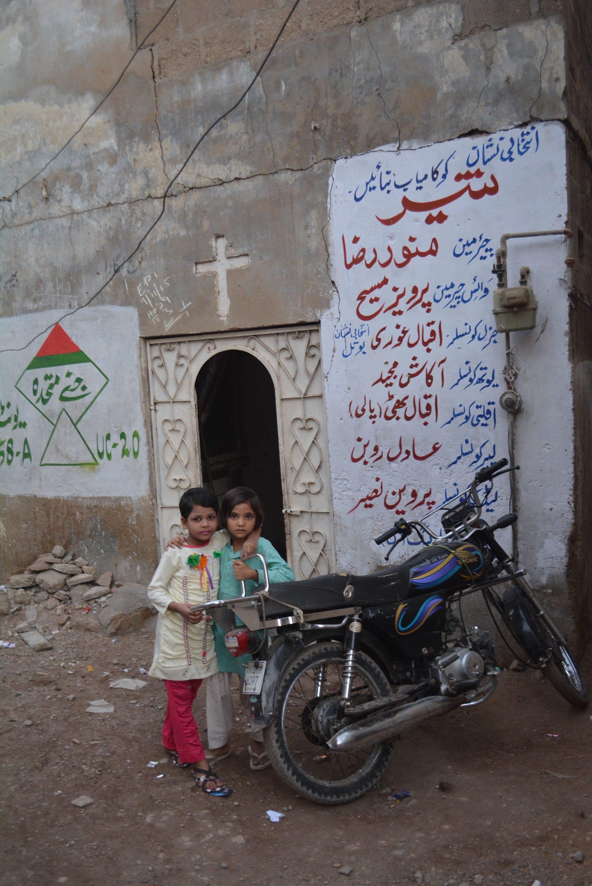 Más de 5 mil familia cristianas en Pakistán luchan entre el confinamiento y la inanición