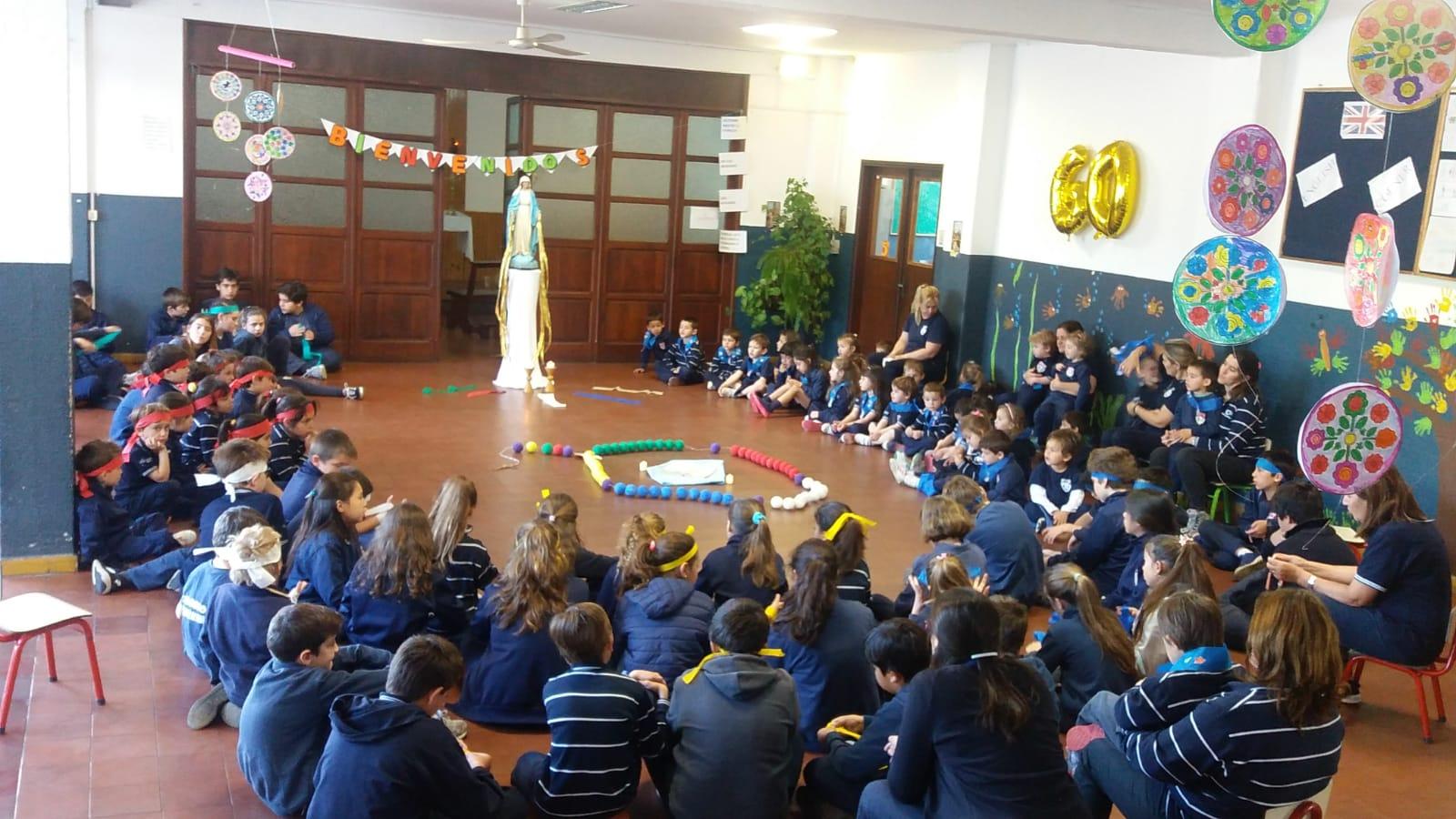 Uruguay: Una historia de éxito el librito del Rosario para niños