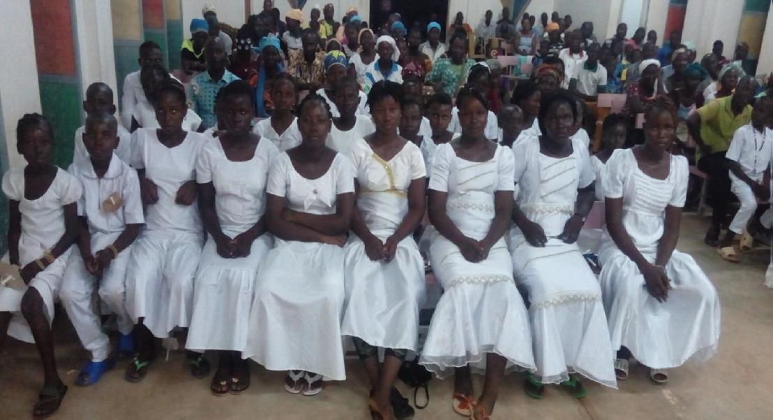 Burkina Faso: Primeras comuniones entre el terror y el coronavirus