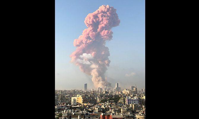 En Beirut se vive una escena de guerra: hay destrucción y desolación en todas sus calles