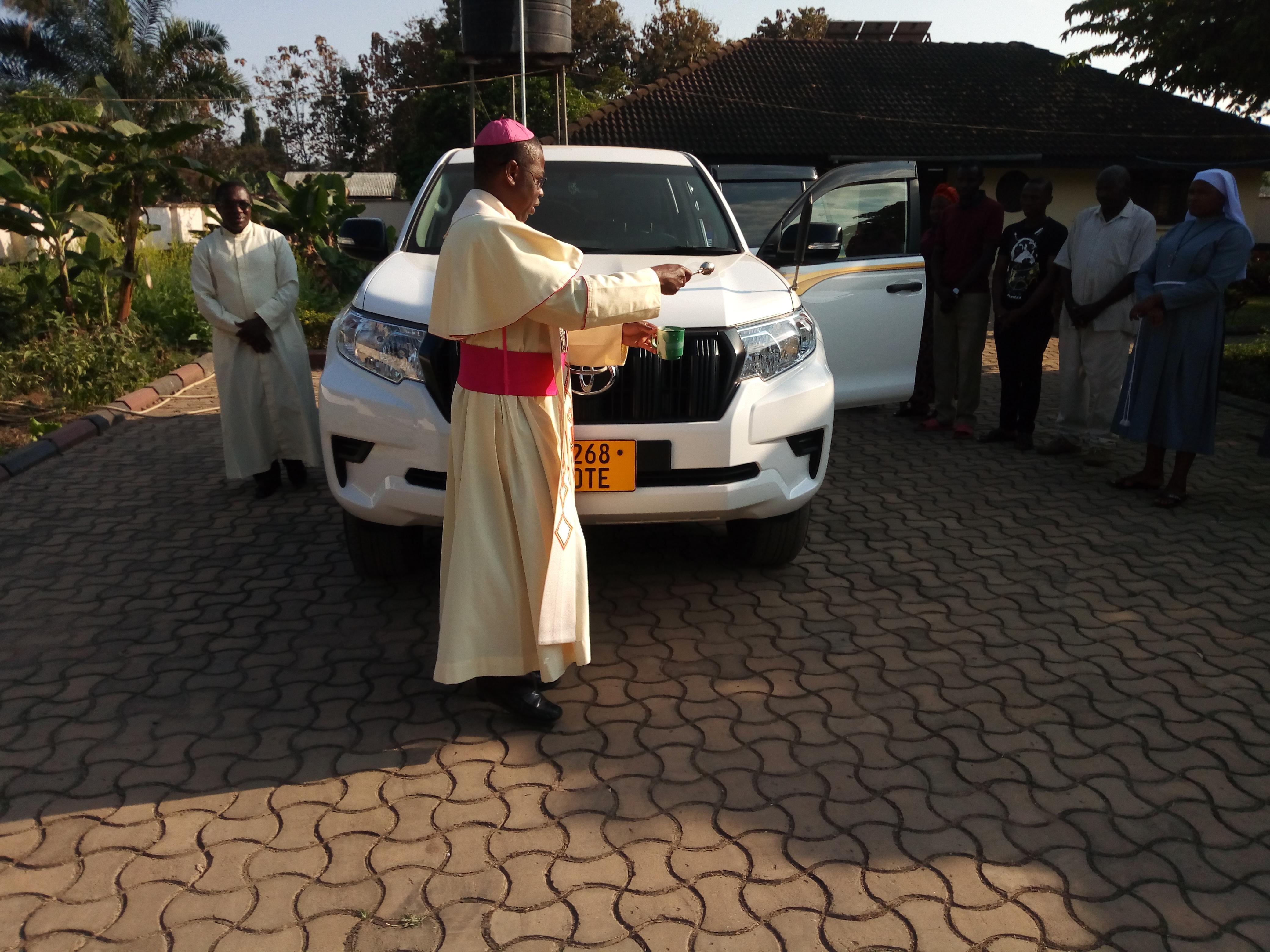 Tanzania: Un coche para la pastoral en la diócesis de Ifakara