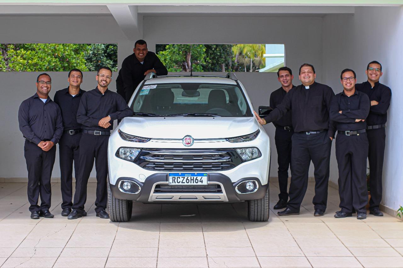 Brasil: Un coche para seminaristas