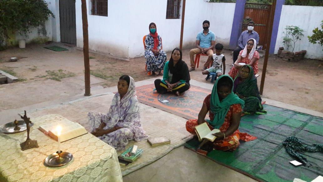 """India en las garras de la pandemia: """"Solo nuestra fe nos permite seguir adelante"""""""
