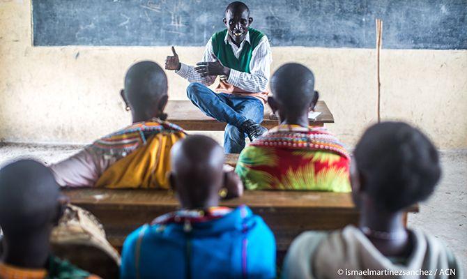 ACN: apoya el ministerio de los enseñantes laicos en todo el mundo
