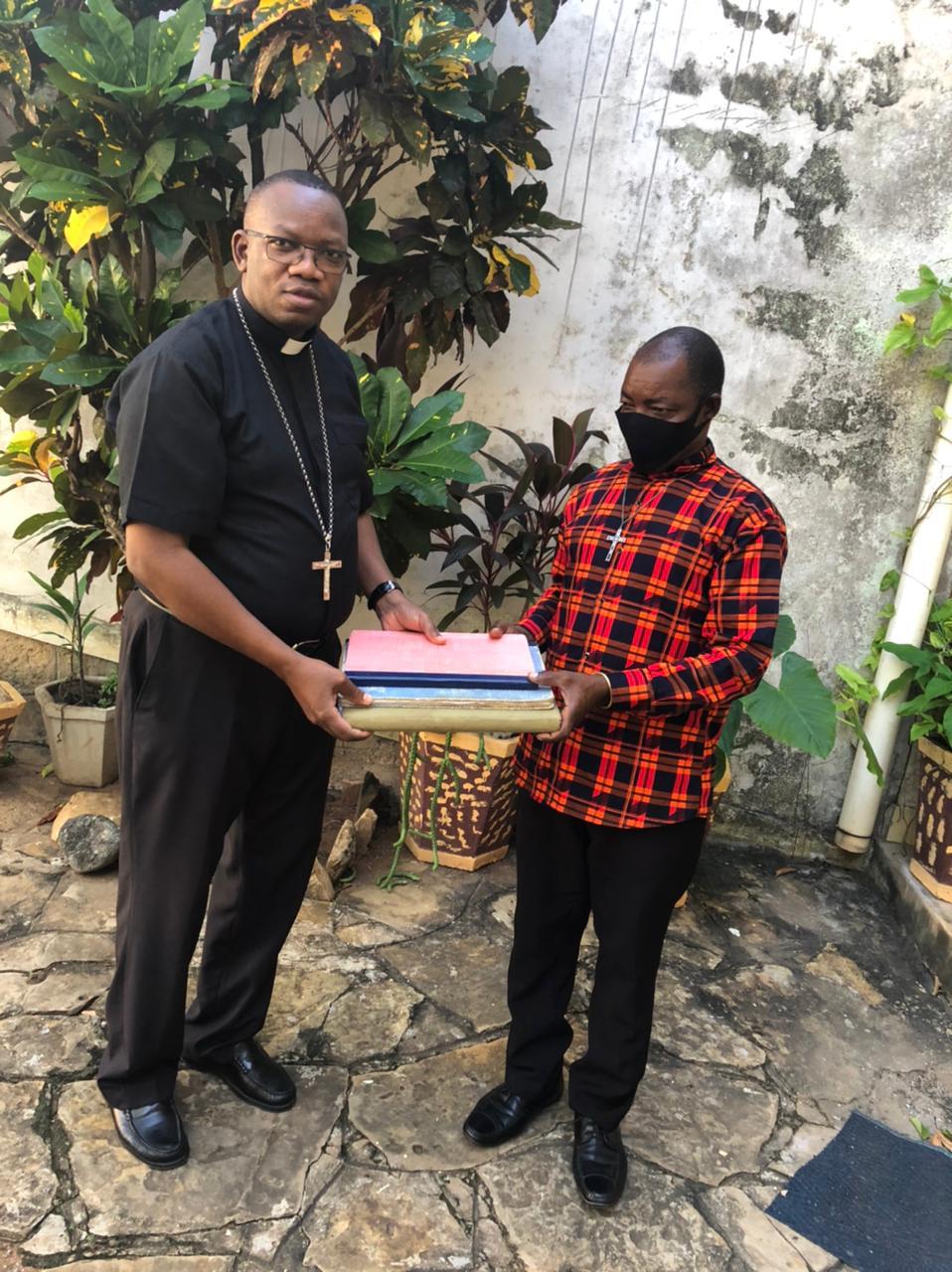 """Mozambique: Un catequista arriesga su vida para salvar un """"tesoro"""" de la parroquia"""