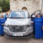 Líbano: Un minibús para llevar consuelo